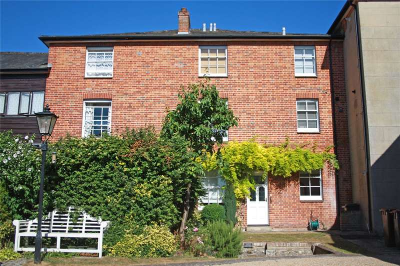 2 Bedrooms Flat for sale in Church Street, Romsey, Hampshire, SO51