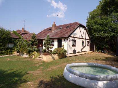 5 Bedrooms Bungalow for sale in Basildon, Essex