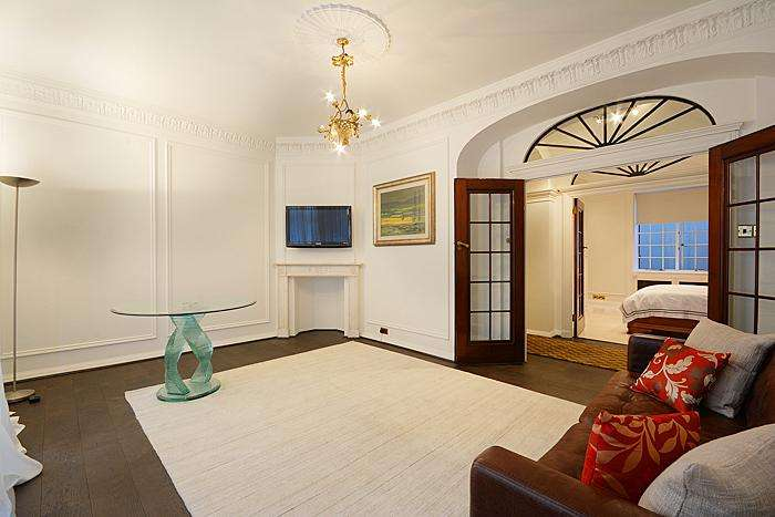 3 Bedrooms Apartment Flat for sale in Portland Place, Marylebone Village, London W1