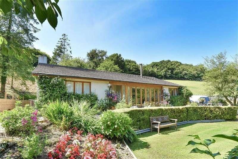3 Bedrooms Bungalow for sale in St Ive, Liskeard, Cornwall, PL14