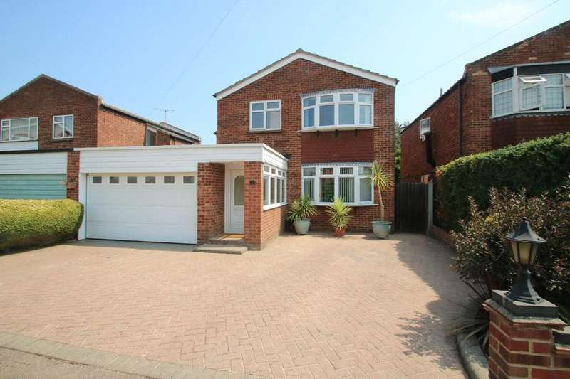 4 Bedrooms Link Detached House for sale in Mayflower Close, Eastwood/Southend-On-Sea