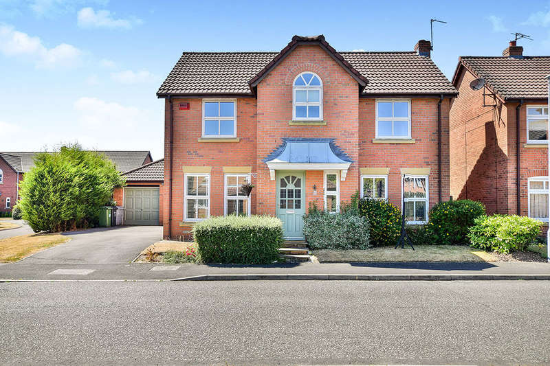 4 Bedrooms Detached House for sale in Glenside Drive, WILMSLOW, SK9