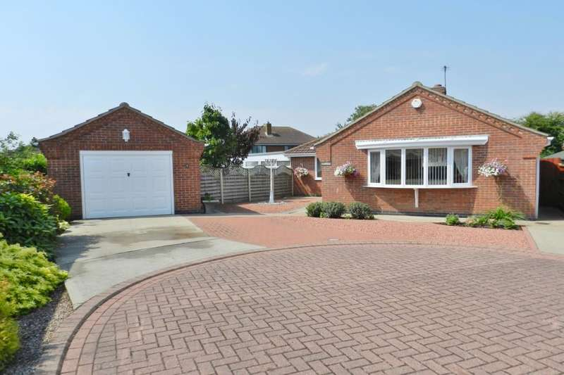 3 Bedrooms Detached Bungalow for sale in Comper Swift Close, Sutton-On-Sea, Mablethorpe, LN12