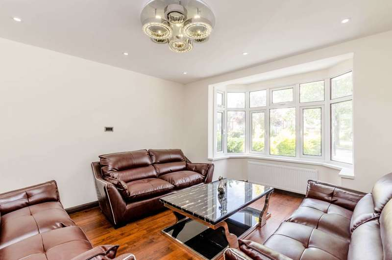 6 Bedrooms Semi Detached House for sale in Blenheim Gardens, Wembley, HA9