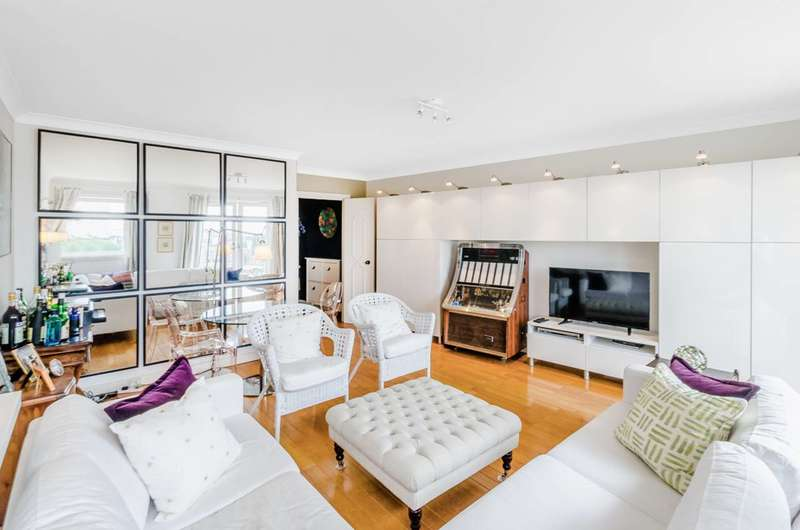 2 Bedrooms Flat for sale in Neptune Court, Canary Wharf, E14