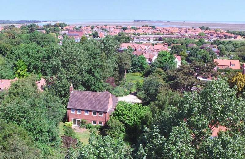 4 Bedrooms Detached House for sale in Church Street, Wells-next-the-Sea