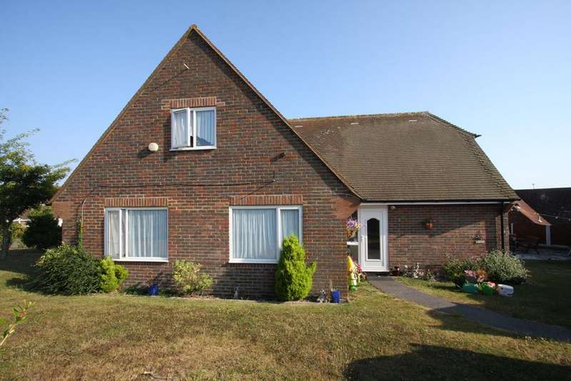 4 Bedrooms Chalet House for sale in Michel Dene Road, East Dean BN20