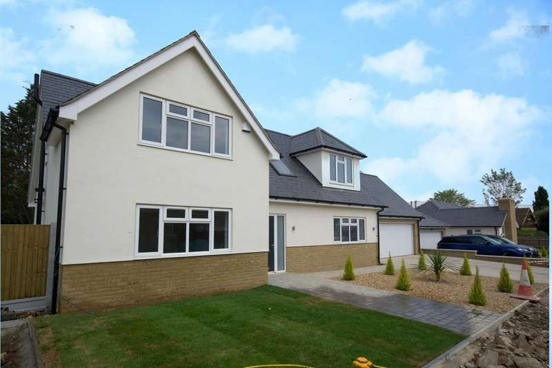 4 Bedrooms Detached House for sale in North Drive, Hutton, CM13