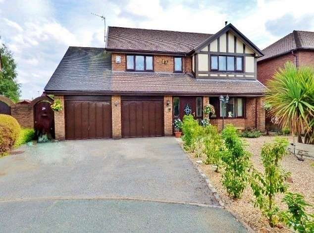 4 Bedrooms Detached House for sale in Bristow Close, Great Sankey, Warrington