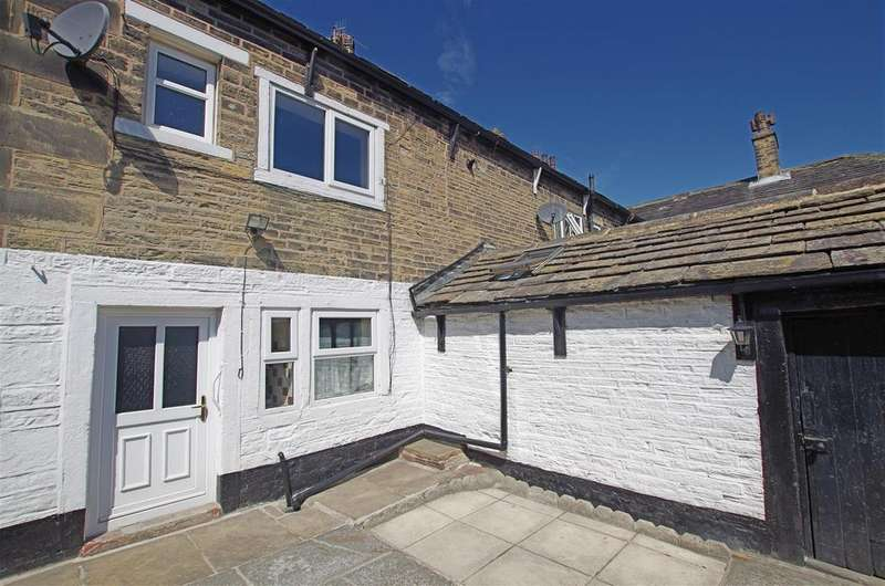 3 Bedrooms Semi Detached House for sale in Northgate, Elland