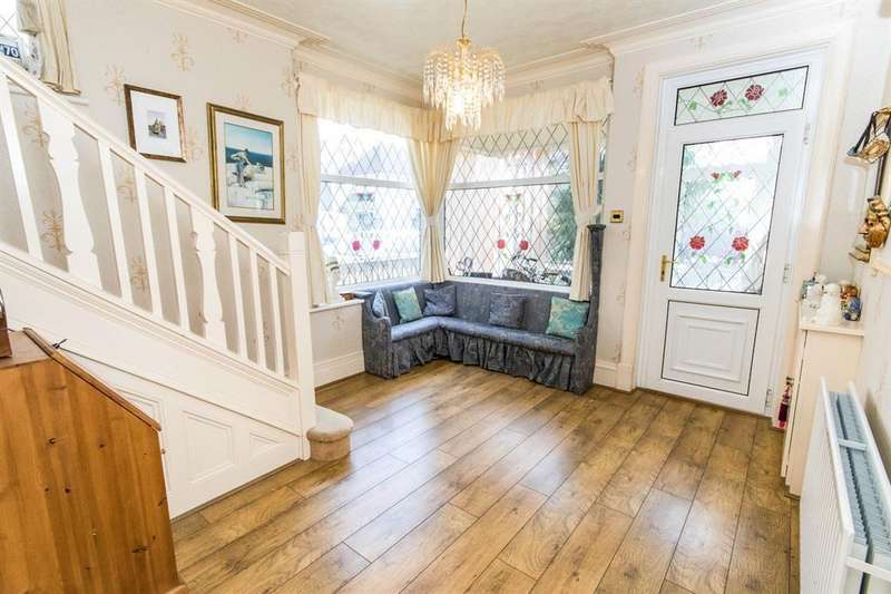 4 Bedrooms Detached House for sale in Albert Avenue, Skegness, PE25 3DQ
