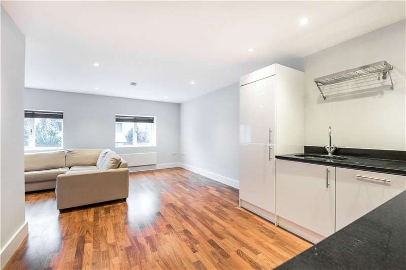 2 Bedrooms Flat for sale in Claylands Place, Oval, London, SW8