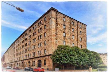 2 Bedrooms Flat for sale in Bell Street, City Centre, Glasgow
