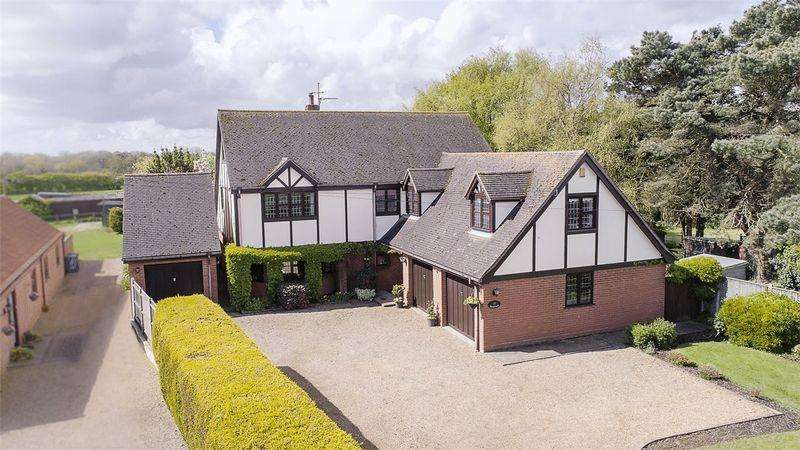 7 Bedrooms Detached House for sale in Corton