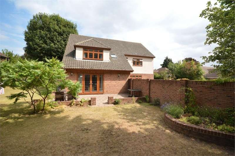 4 Bedrooms Detached House for sale in Fairlight Cross, New Barn