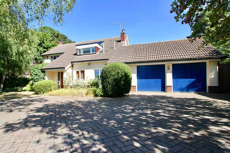 4 Bedrooms Detached House for sale in St. Marys Way, Westerfield