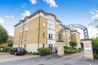 2 Bedrooms Flat for sale in Pooles Wharf Court, Bristol