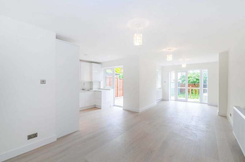 3 Bedrooms Flat for sale in Fordwych Road, Cricklewood, NW2