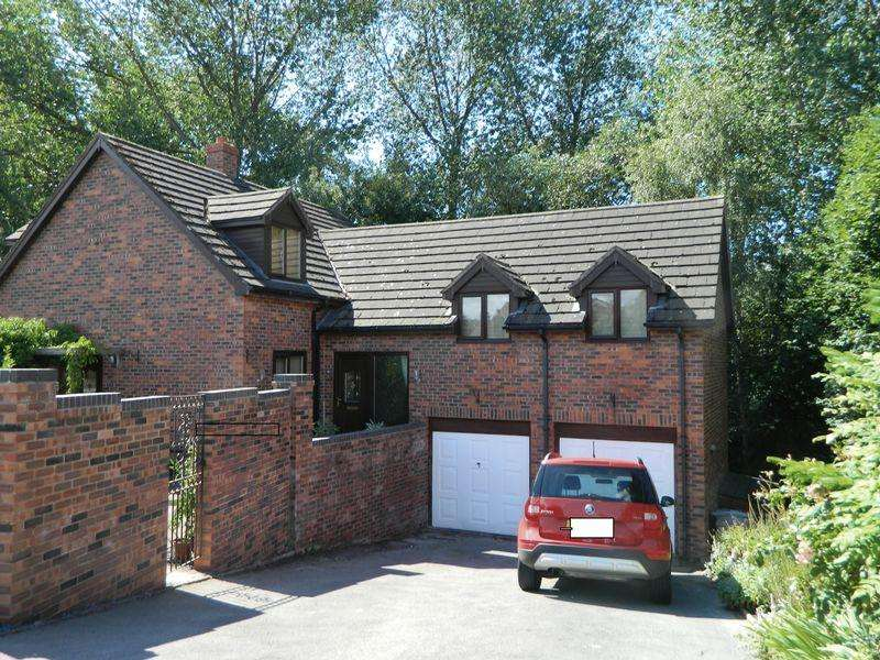 5 Bedrooms Detached House for sale in Woodside Drive