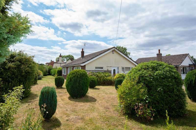 3 Bedrooms Bungalow for sale in Church Road, Stickford, Boston