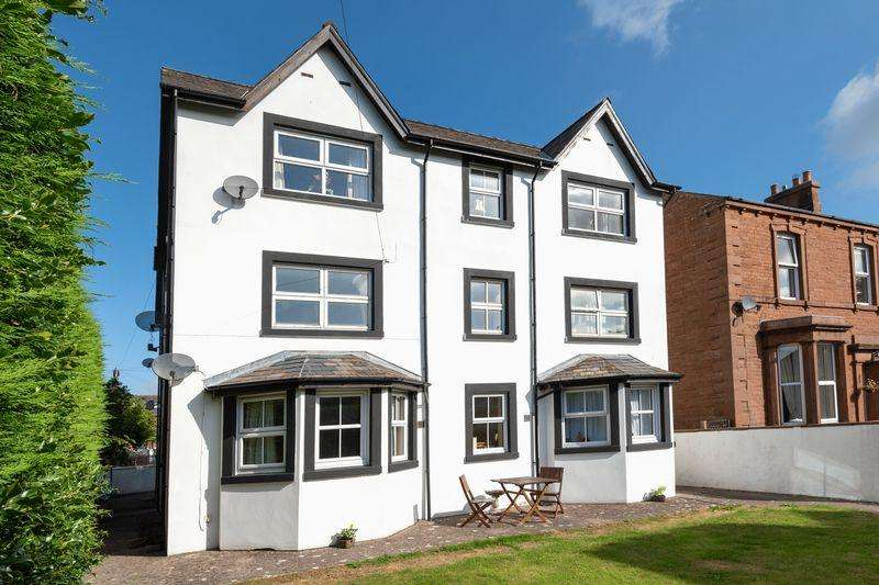 2 Bedrooms Apartment Flat for sale in 5 Ashley Court, Alexandra Road, Penrith