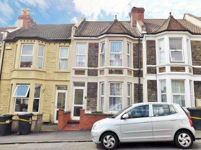 3 Bedrooms Terraced House for sale in Douglas Road, Horfield, Bristol