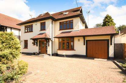 5 Bedrooms Detached House for sale in Rochford, Essex, .