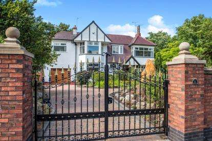 5 Bedrooms Detached House for sale in Cambridge Road, Southport, Lancashire, Uk, PR9