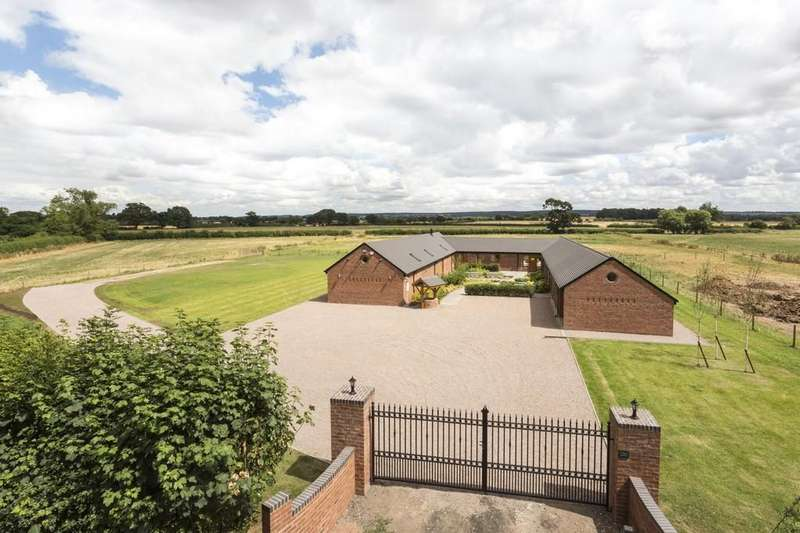 5 Bedrooms Barn Conversion Character Property for sale in Whittamoor Lane, Longridge, Stafford