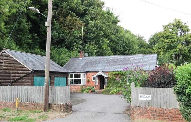 3 Bedrooms Detached Bungalow for sale in West Meon, Petersfield