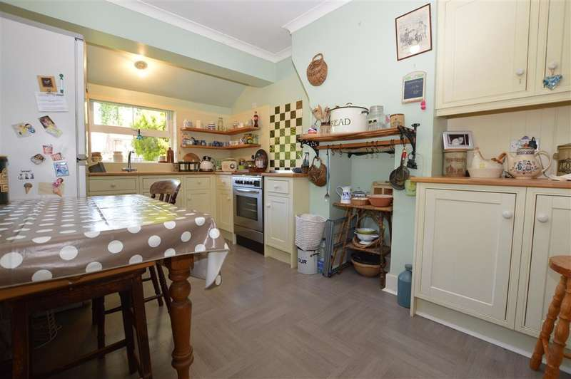3 Bedrooms End Of Terrace House for sale in Briarlea Road, Mortimer Common, Reading, RG7