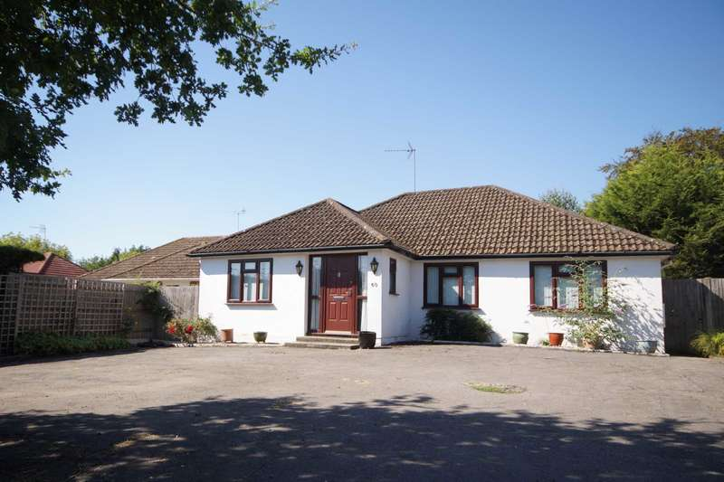 3 Bedrooms Detached Bungalow for sale in Liphook Road, Lindford, Hampshire, GU35