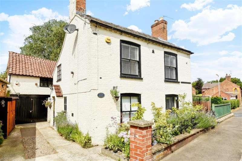 4 Bedrooms Link Detached House for sale in Stanhope Road, Horncastle, Lincs, LN9 5DG