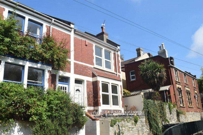 2 Bedrooms Terraced House for sale in Marlborough Hill Place, Kingsdown