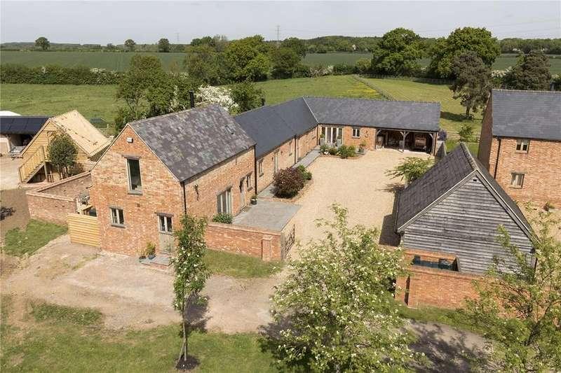 4 Bedrooms Detached House for sale in Hillesden, Buckingham, MK18