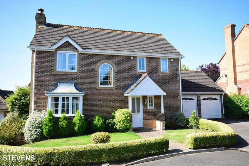 4 Bedrooms Detached House for sale in Wansey Gardens, Newbury, RG14