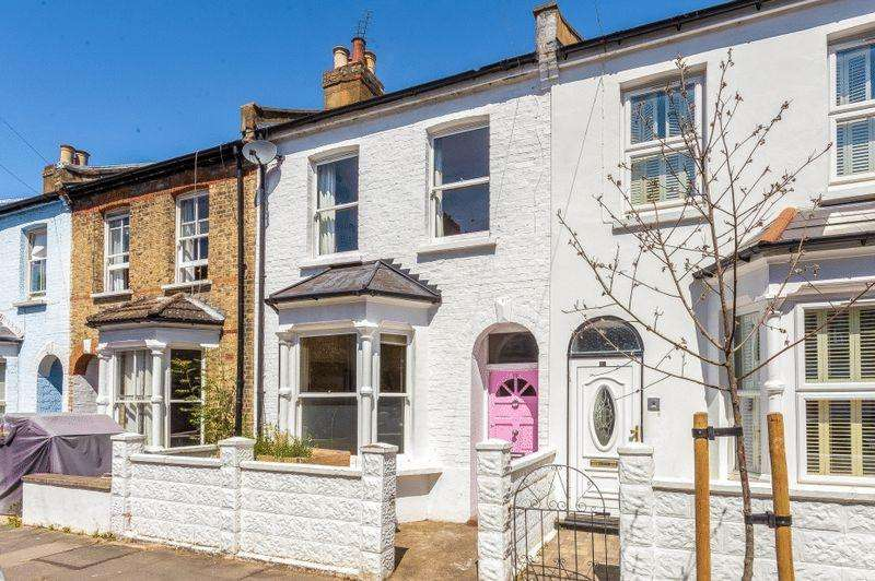 4 Bedrooms Terraced House for sale in Gayford Road W12