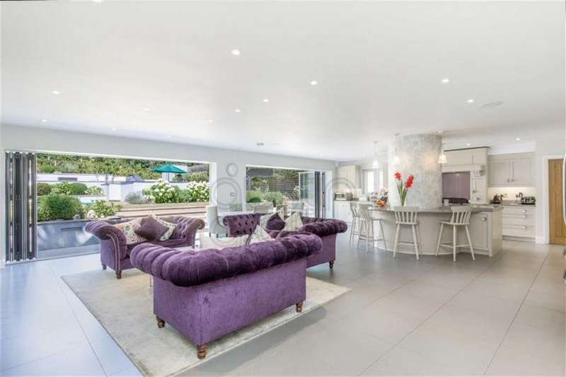 4 Bedrooms House for sale in Brangwyn Crescent, Brighton, East Sussex