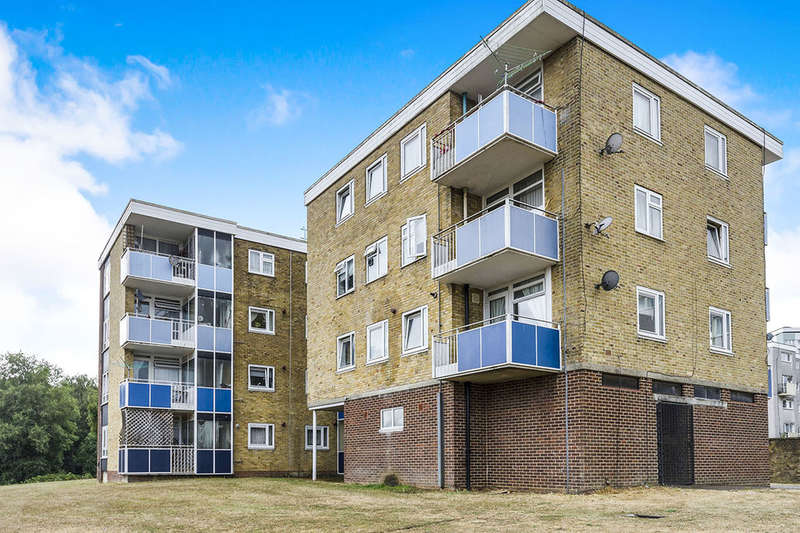 1 Bedroom Flat for sale in Lydgate Close, Southampton, SO19