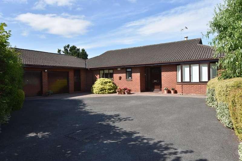 3 Bedrooms Detached Bungalow for sale in Chandos Close, Belgrave Park