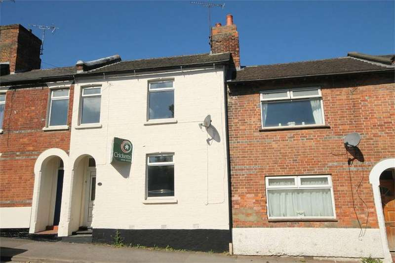 3 Bedrooms Terraced House for sale in Boundary Road, Newbury, RG14