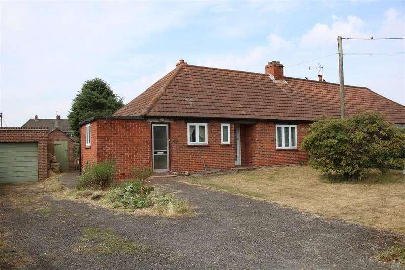 3 Bedrooms Bungalow for sale in Back Lane, Beenham
