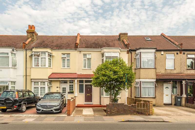 3 Bedrooms Terraced House for sale in Wellington Road South, Hounslow, TW4