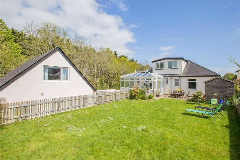 4 Bedrooms Detached House for sale in Weirfields, Totnes, TQ9