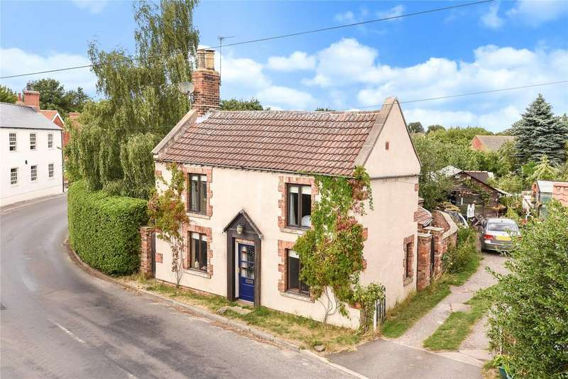 3 Bedrooms Detached House for sale in High Street, North Kelsey, LN7