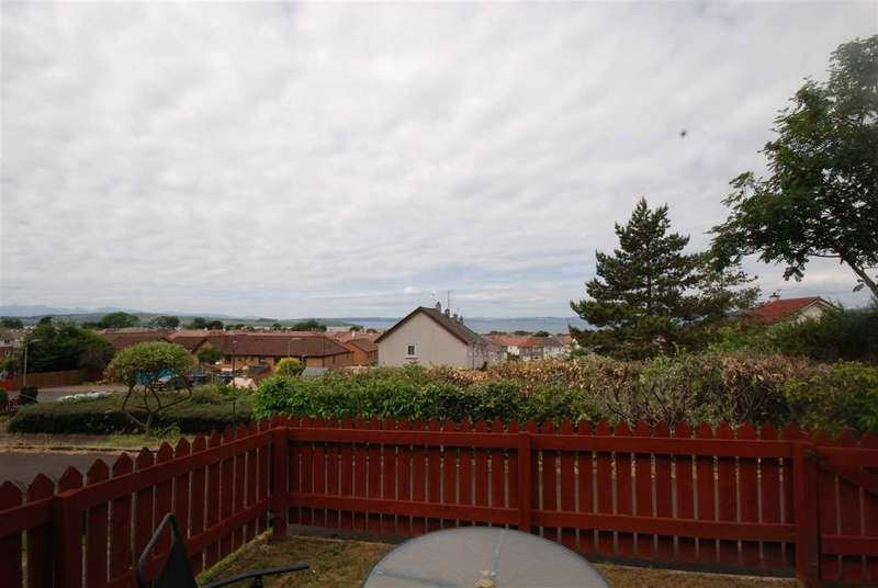 2 Bedrooms Semi Detached House for sale in Woodcroft Avenue, Largs