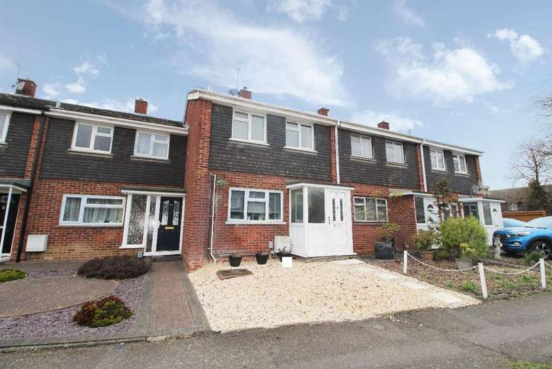 2 Bedrooms Semi Detached House for sale in Waveney Avenue, Brickhill, Bedfordshire, MK41