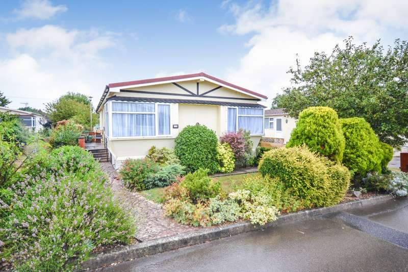 2 Bedrooms Park Home Mobile Home for sale in Lion House Park, Mill Road, Hailsham, BN27