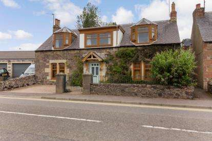 4 Bedrooms Detached House for sale in Low Road, Auchtermuchty