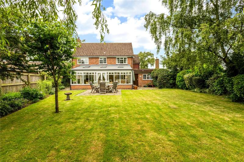 4 Bedrooms Detached House for sale in Essex Place, Lambourn, Hungerford, Berkshire, RG17